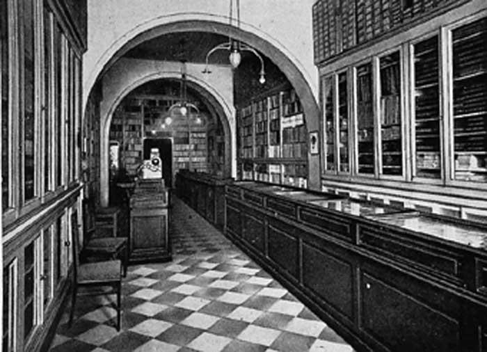 interno-della-libreria-aperta-nel-1889