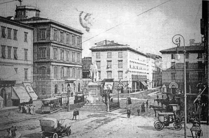 piazzacavourlivorno