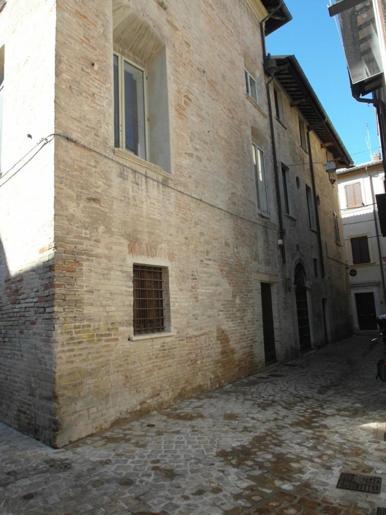 locatio-Marche-Pesaro-Jewish Quarter1